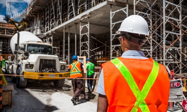 How To Avoid The Pitfalls Of Hiring A Bad Contractor
